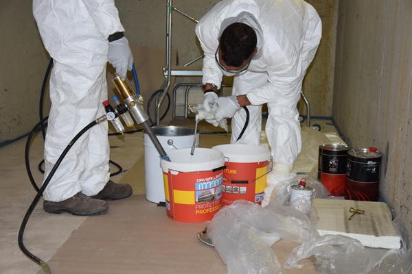 Risanamento con resina idroreattiva e idroespansiva per infiltrazioni box a Cernobbio - Lago di Como
